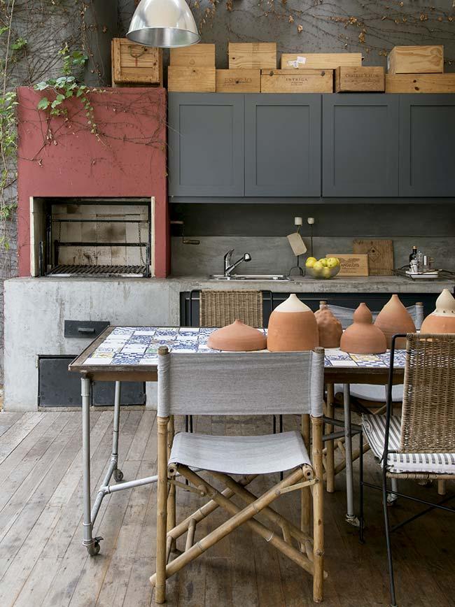 Tampo da mesa com azulejo português
