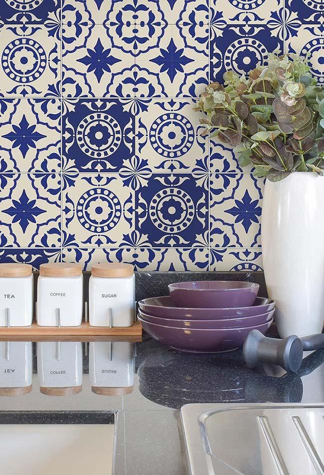 Azulejo português com azul BIC