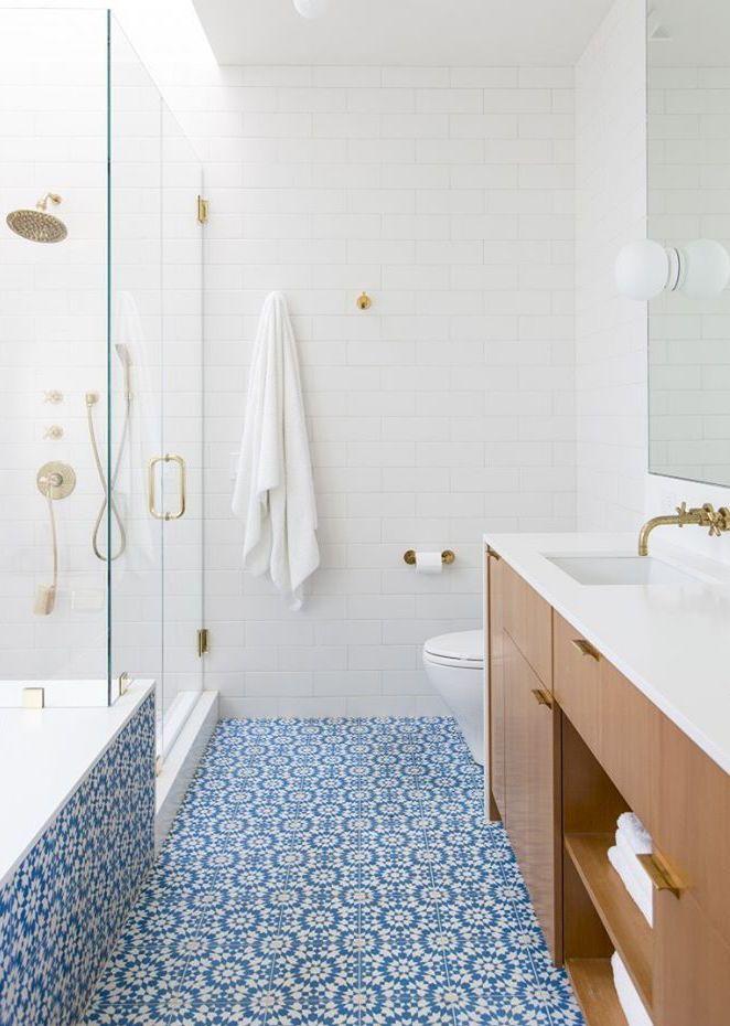 Banheiro com azulejo português