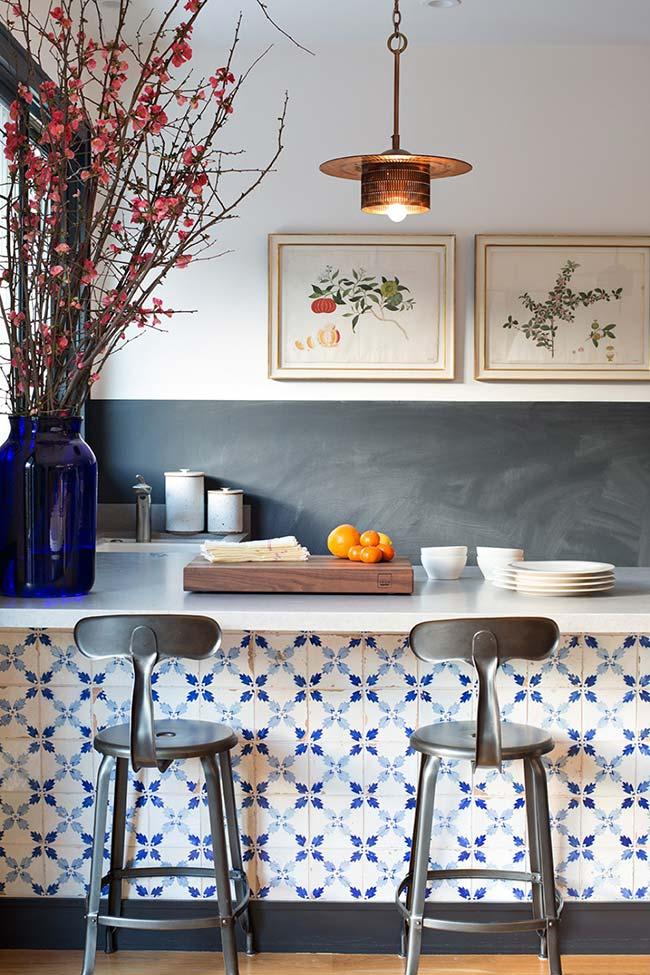 Azulejo português na bancada