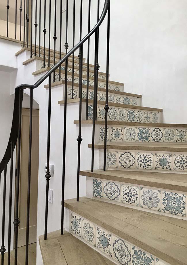 Azulejo português na escada