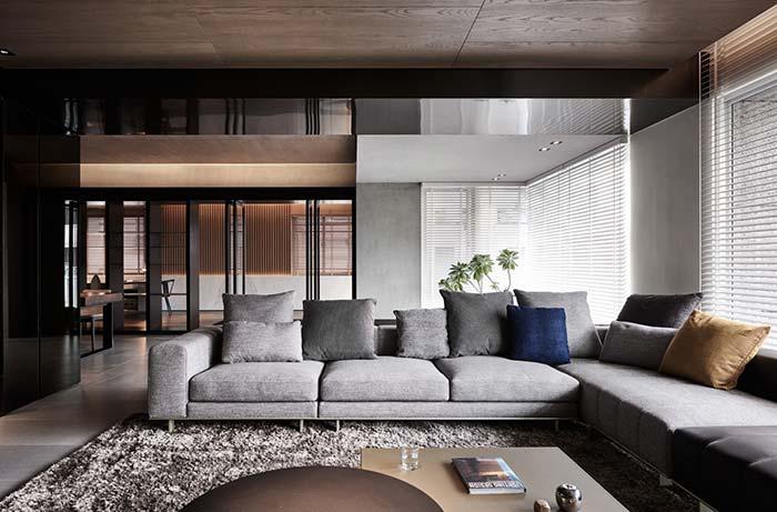 Quem disse que não dá para ter uma sala sofisticada usando persianas?