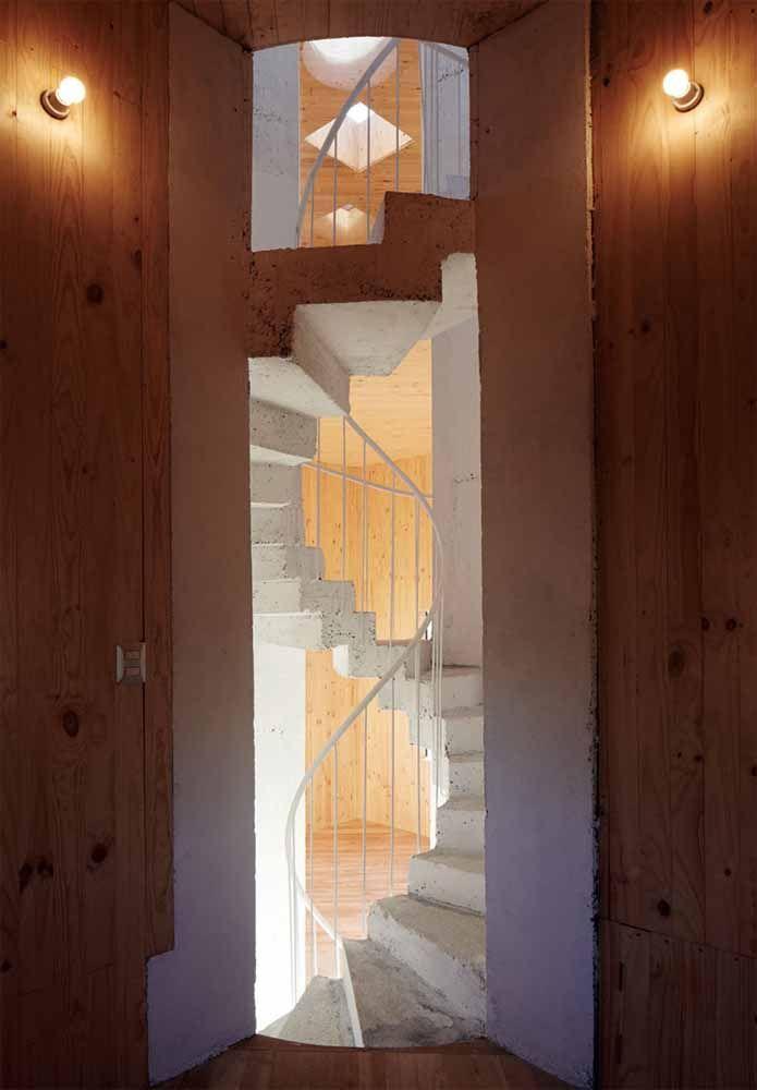 Escada caracol de concreto simples