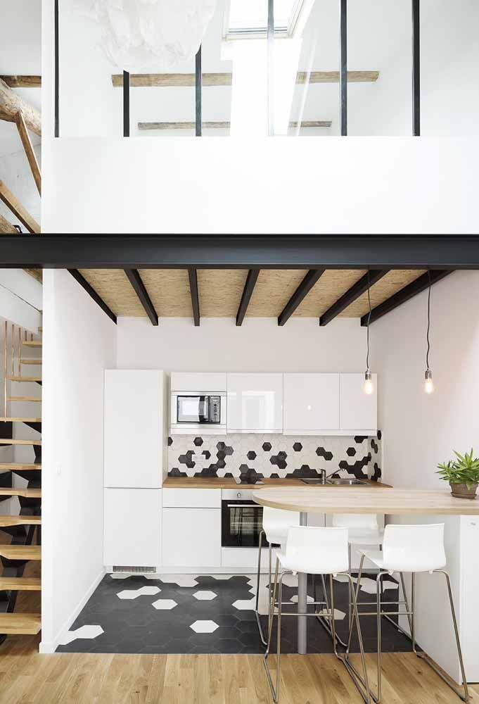 A combinação do preto com o branco para deixar o ambiente bem sofisticado