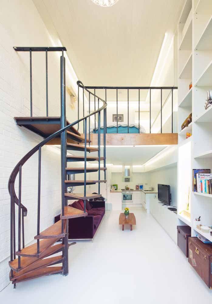 Deixando o quarto em cima, o loft ganha espaço embaixo