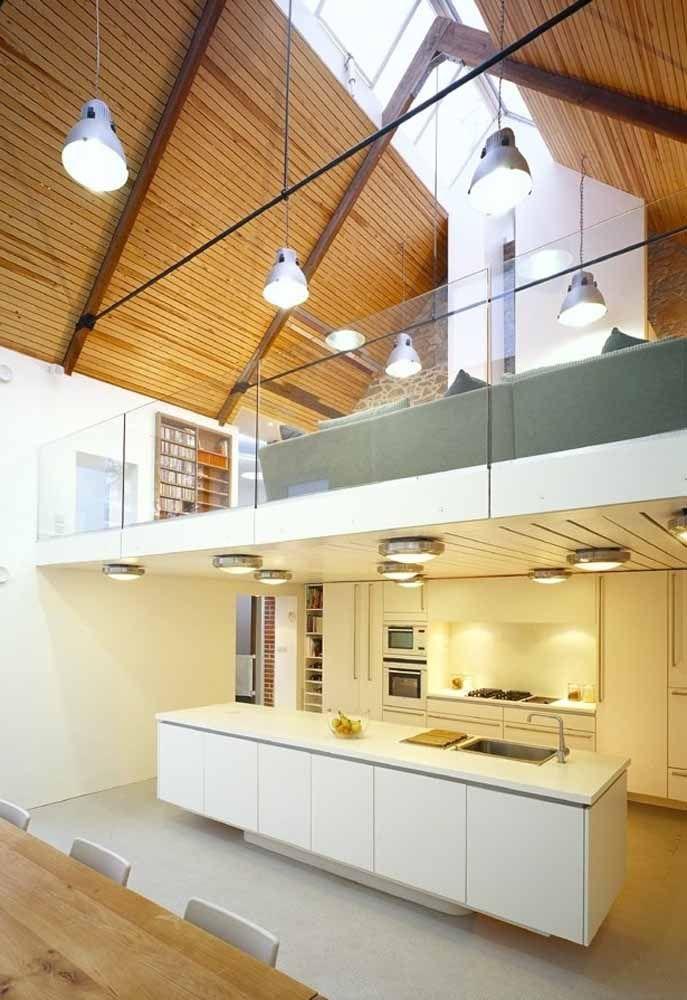 O teto alto é um dos grandes diferenciais do loft