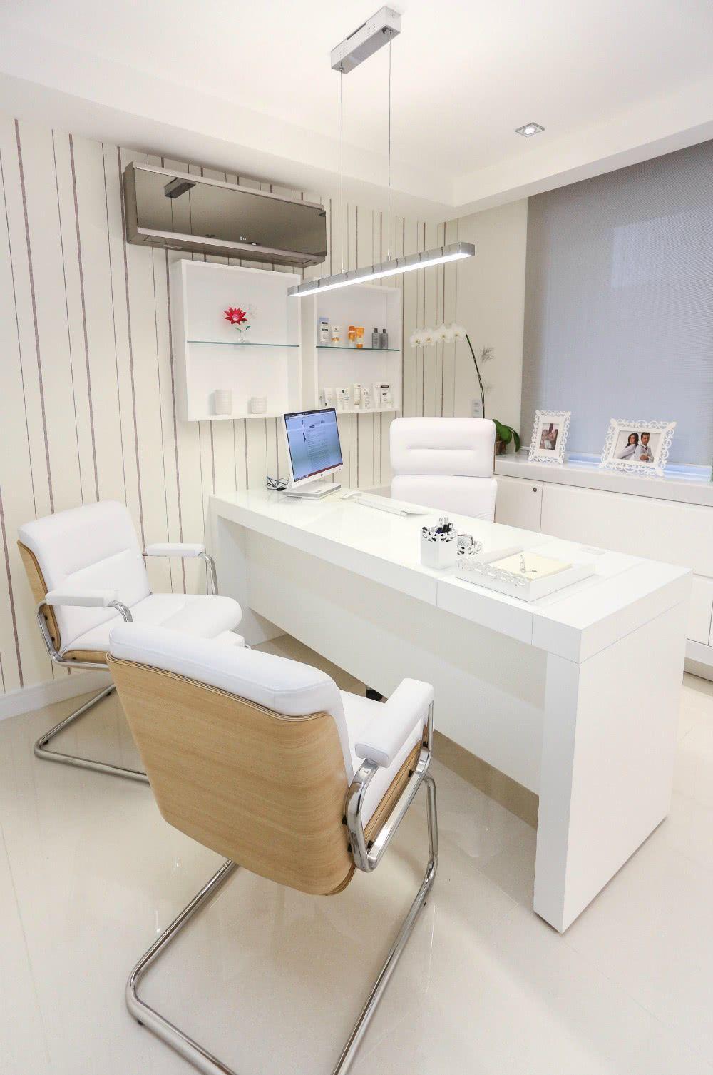 Cadeiras para clínicas e consultórios.