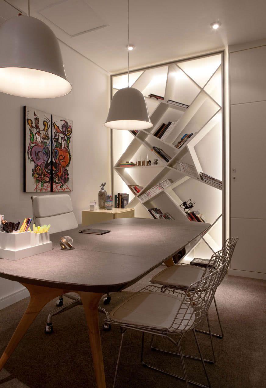 Combine a ergonomia e a decoração na escolha da cadeira.