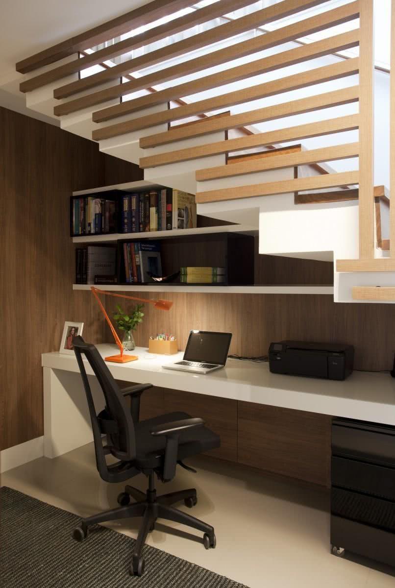 Utilize as técnicas de ergonomia para um home office.