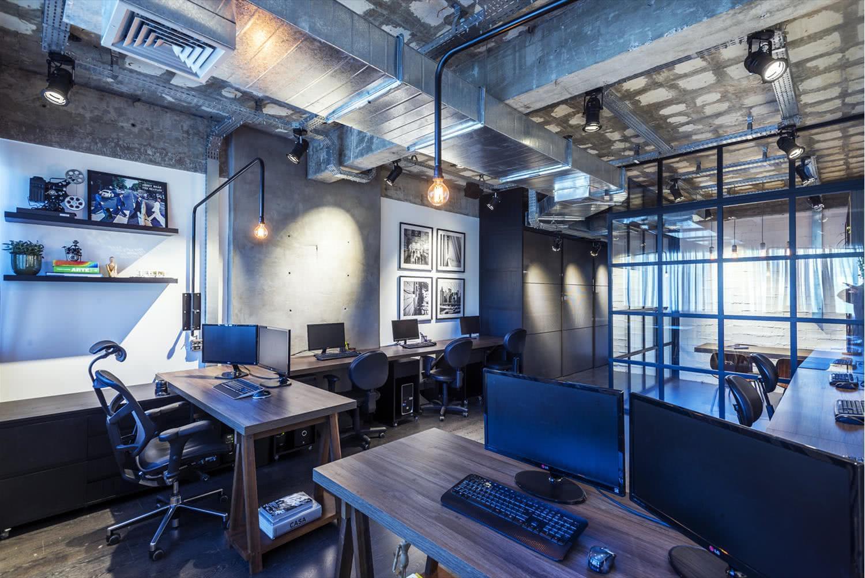 O layout e os móveis são fundamentais no projeto corporativo.