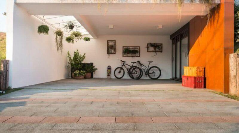 Piso para garagem: veja os principais tipos e ideias para se inspirar
