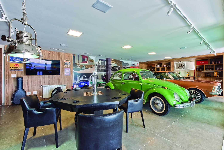 Garagem com piso de porcelanato de concreto