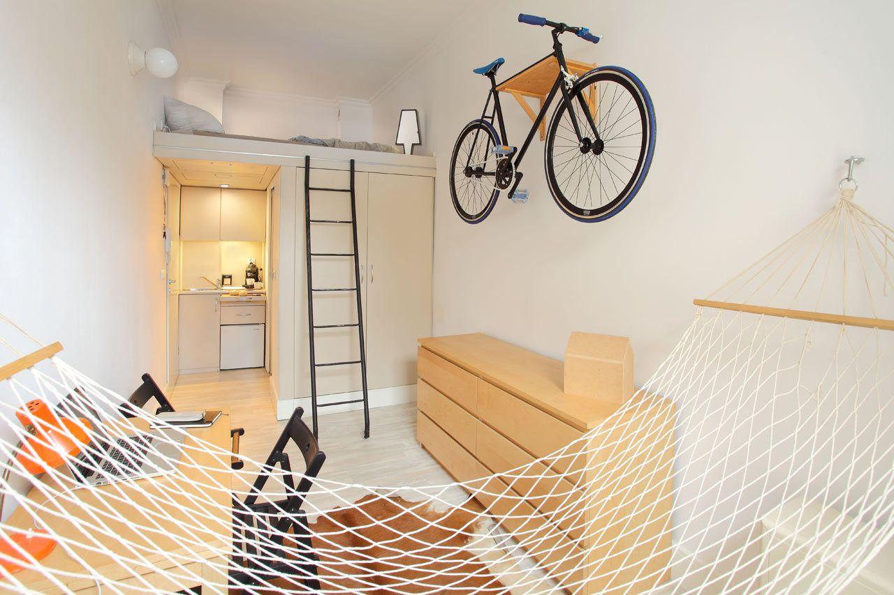 Apoie a bicicleta na parede para economizar espaço