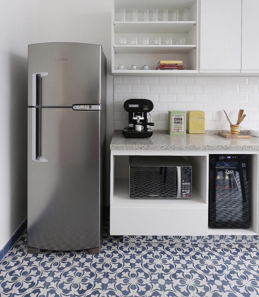 Quanto menos armários, mais simples a cozinha fica.