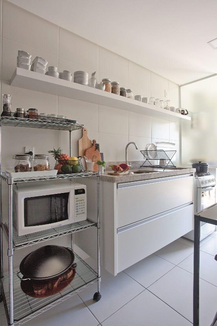 O carrinho é um item simples que ajuda muito dentro de uma cozinha.