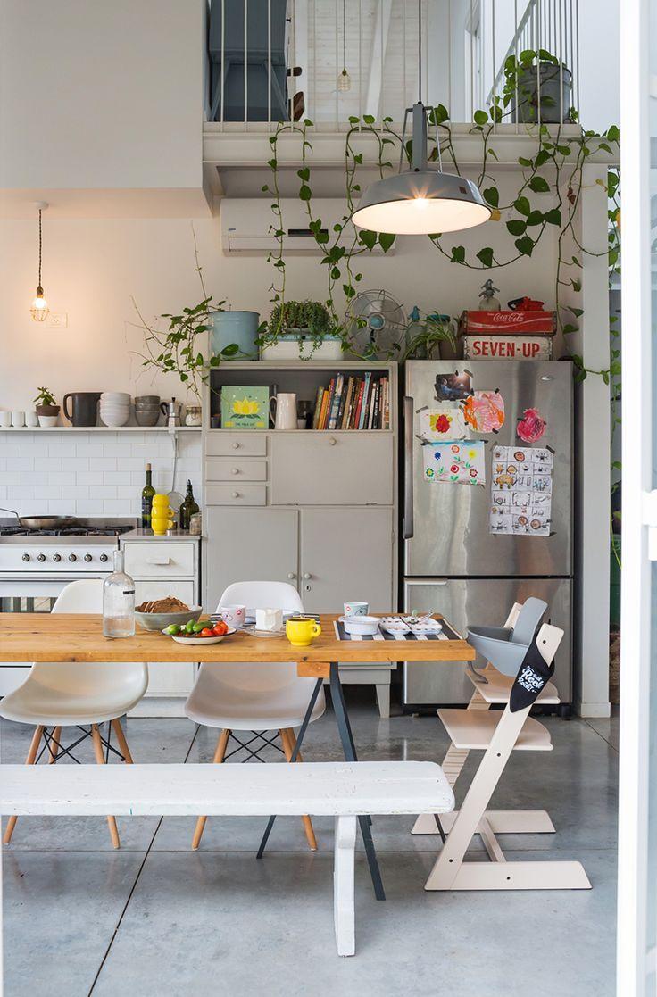 Cozinha simples rústica, abuse de plantas na decoração!
