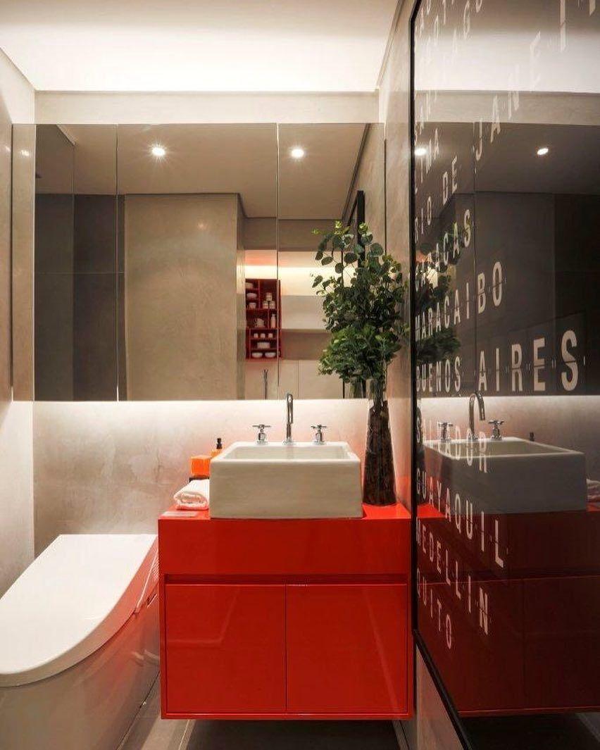 """Banheiro decorado com atmosfera """"cool"""""""
