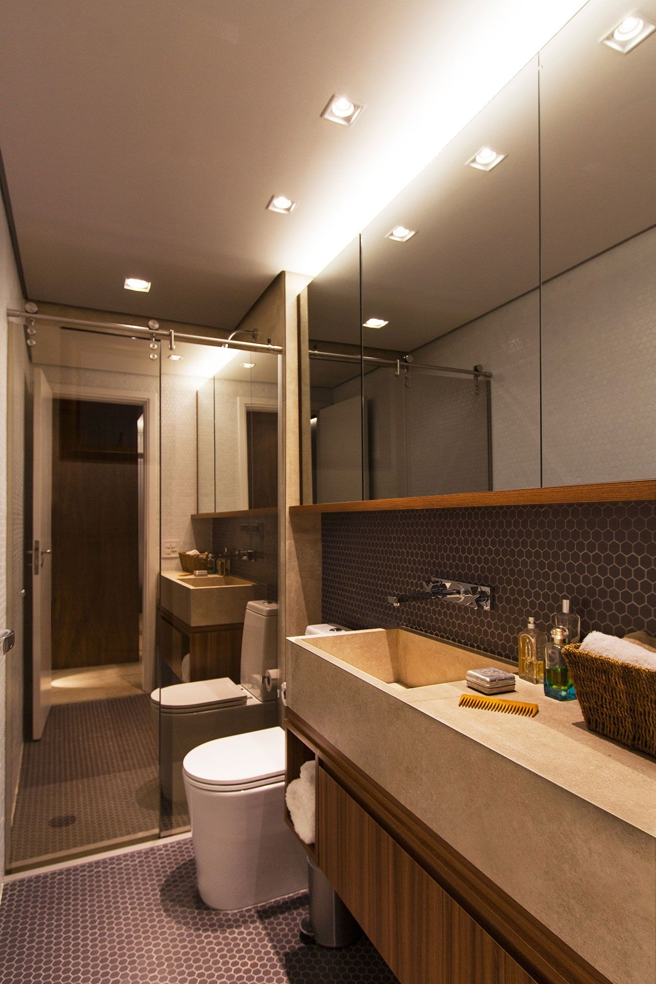 Banheiro decorado clean e moderno