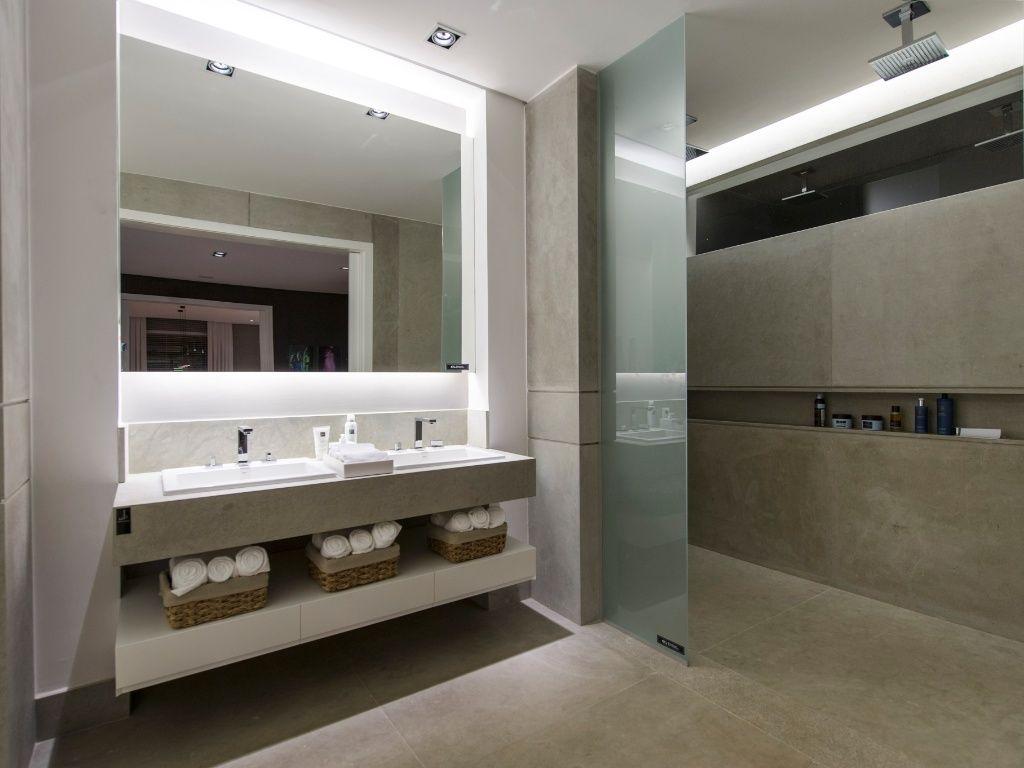 Banheiro decorado com cimento queimado