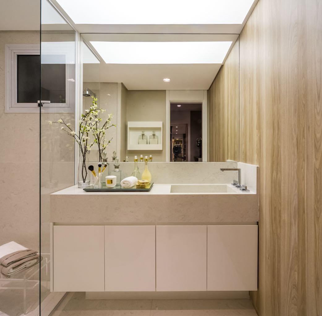 Banheiros decorados com atmosfera clean