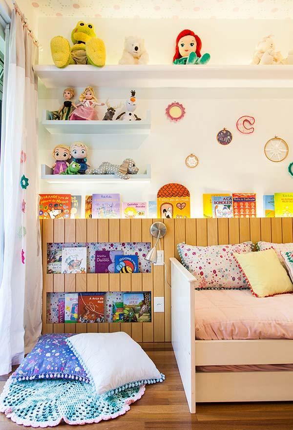 Estimule os estudos na decoração do quarto de menina com livros