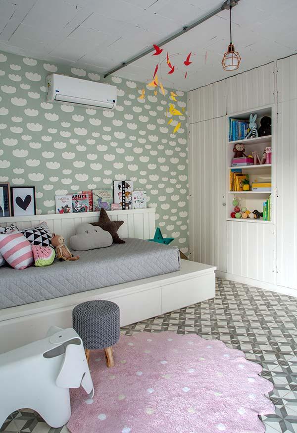 Traga charme para a cama com almofadas divertidas na decoração