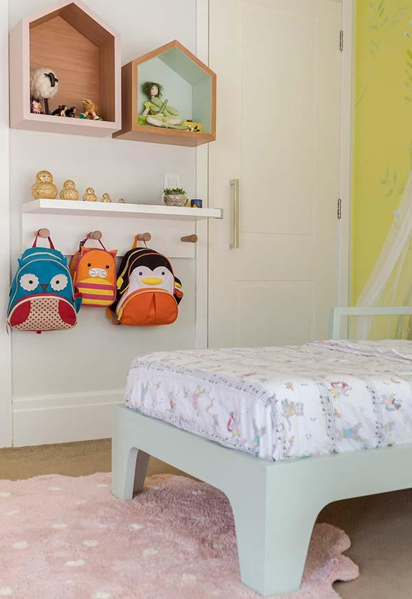 Decoração de quarto de menina com nichos