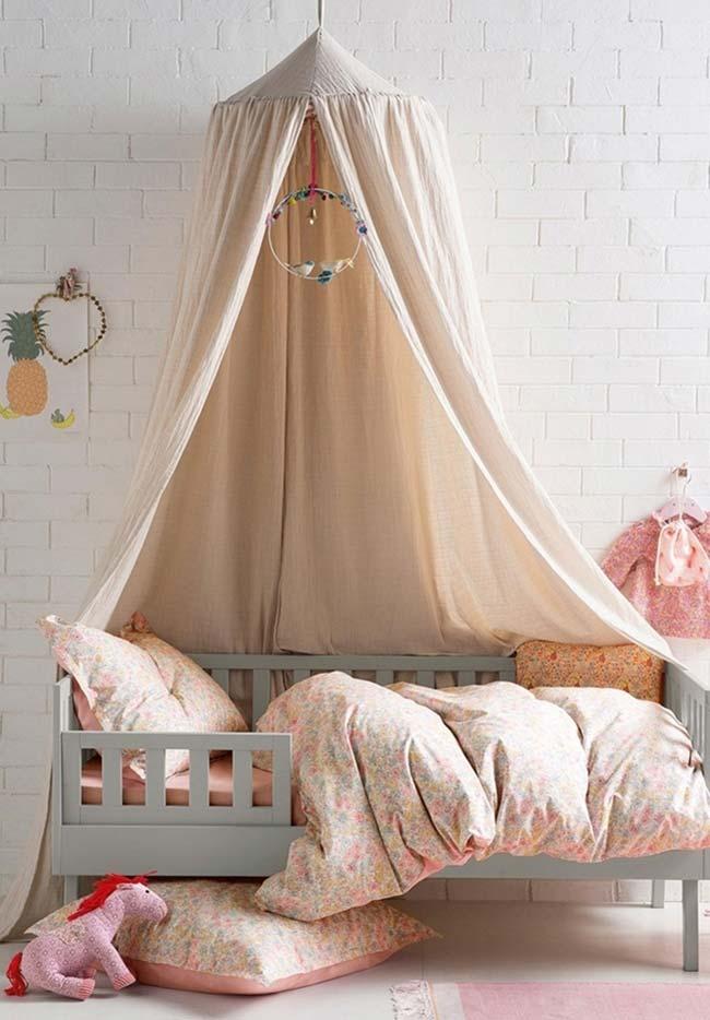 Dossel com filtro dos sonhos para afastar energias pesadas no quarto de menina