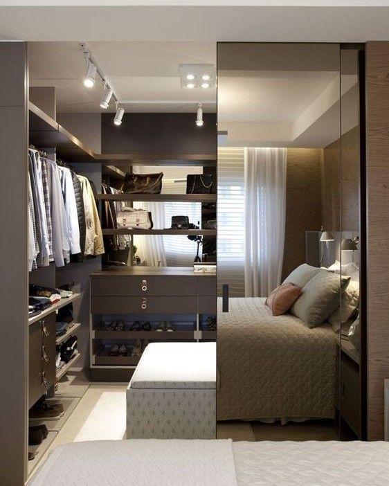Faça uma porta espelhada para o acesso ao closet