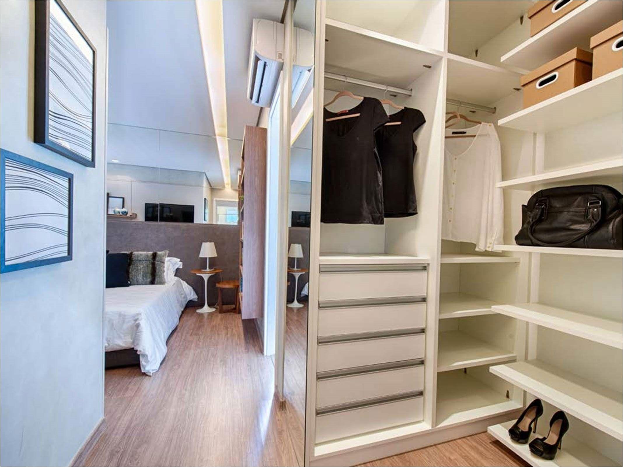Quarto com closet 70 fotos projetos e plantas for Closets para apartamentos pequenos