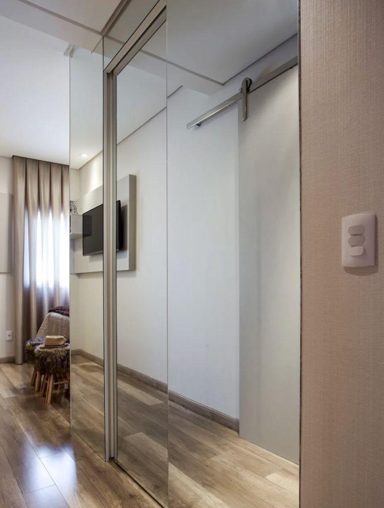Closet no corredor do quarto