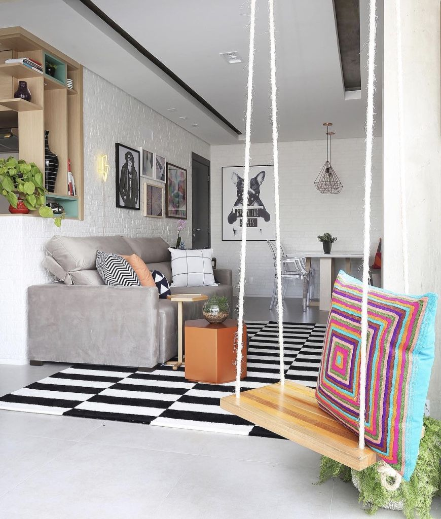 Neon, quadros e estampas geométricas reforçam o personalidade jovem de qualquer ambiente.