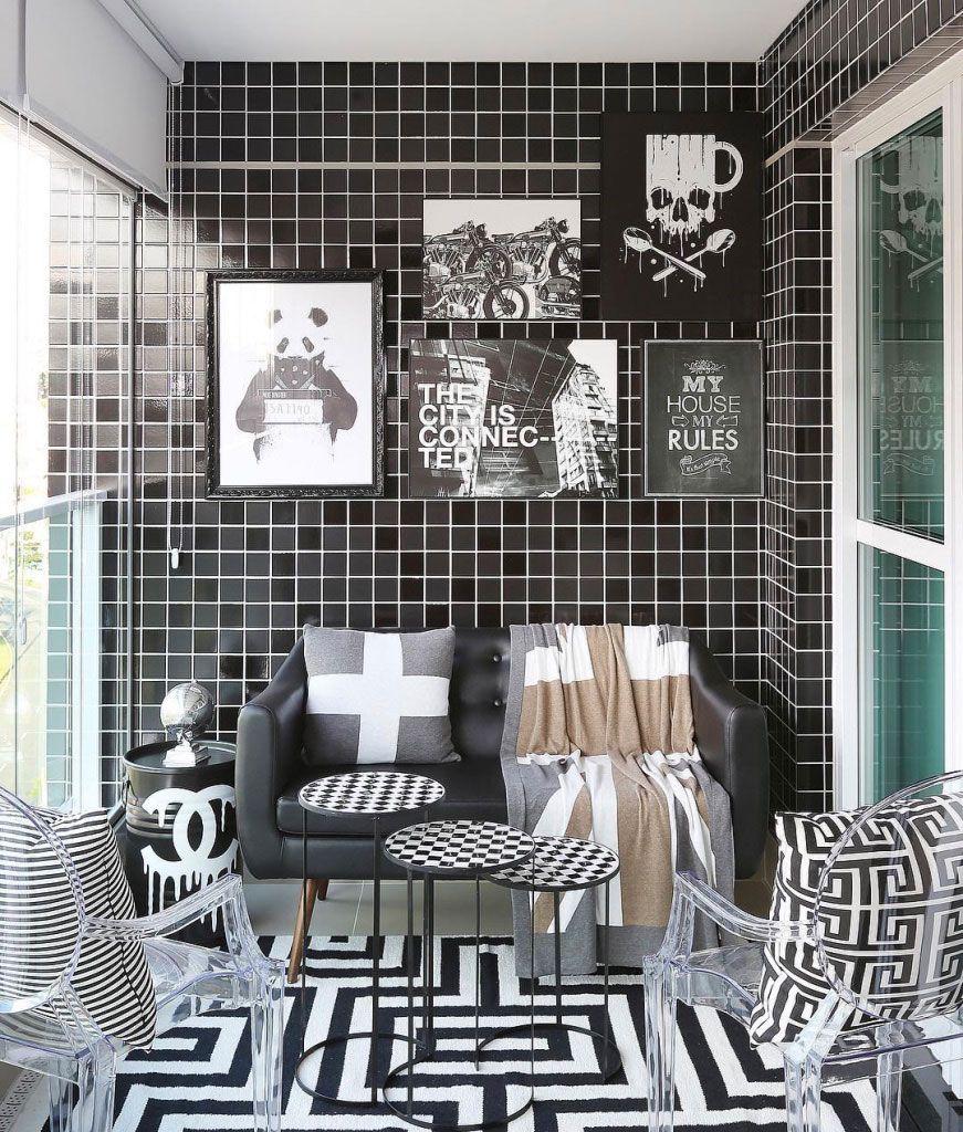 Casa decorada com elementos P&B.