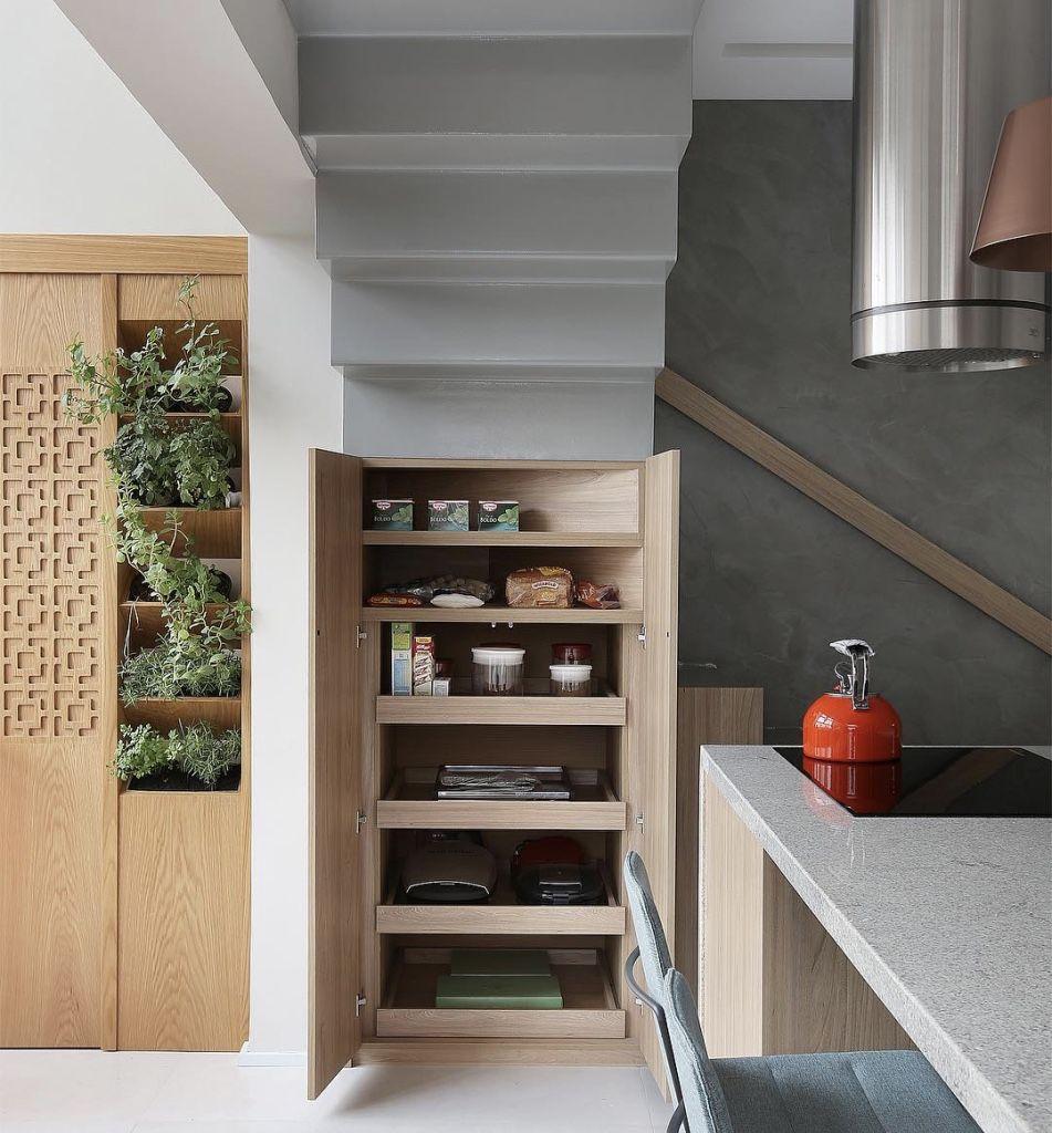 Cozinha prática e moderna.