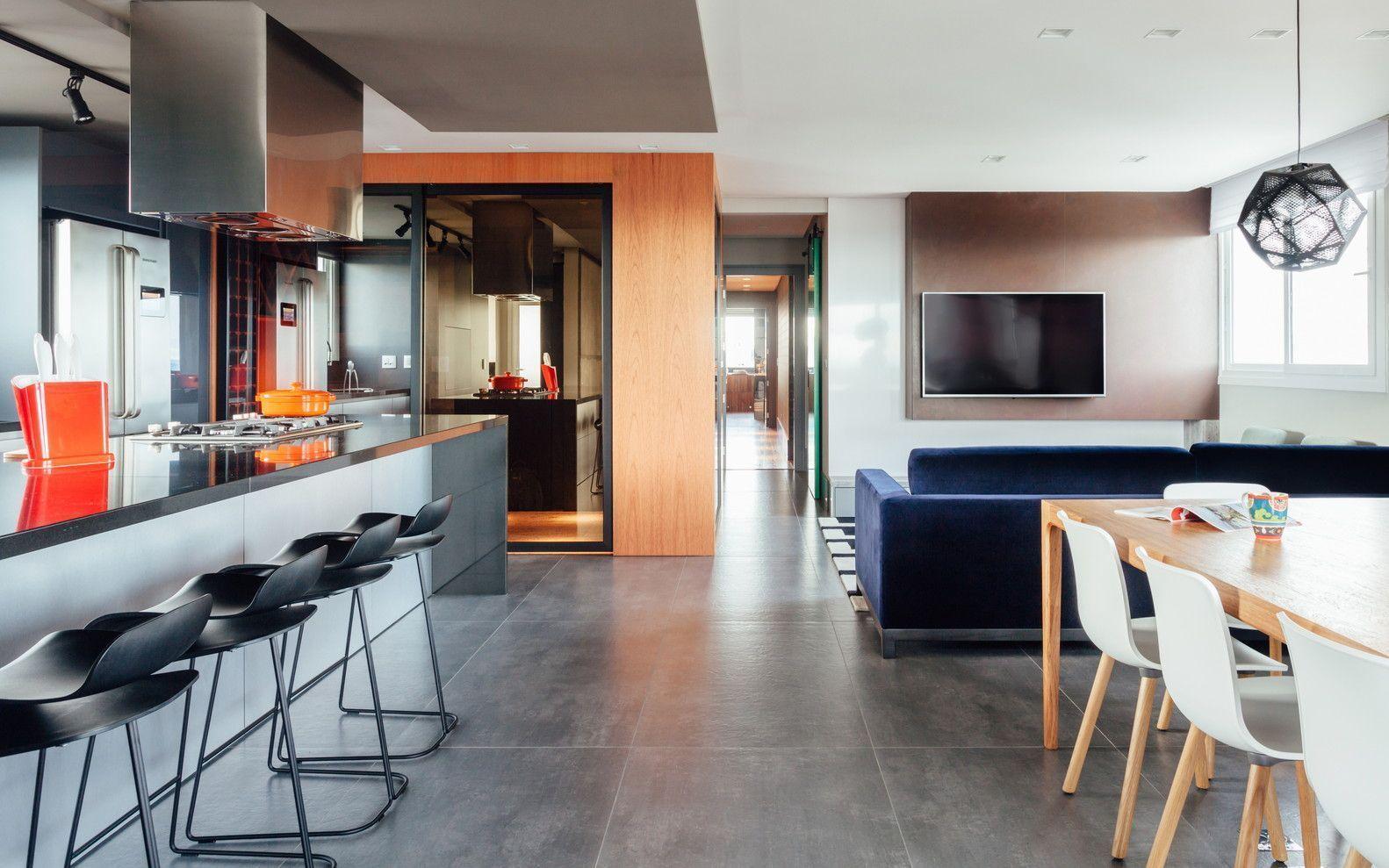 Cozinha gourmet com amplos espaços