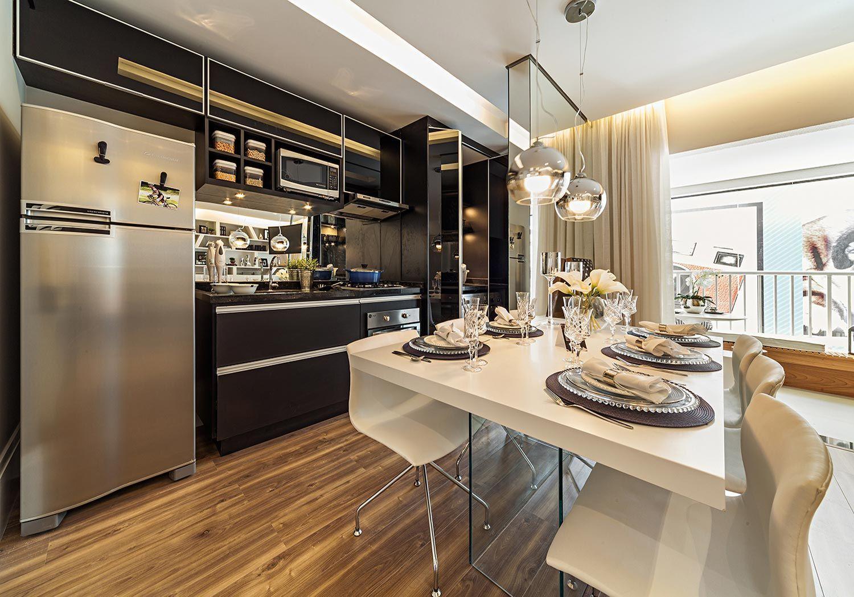 Cozinha gourmet com decoração preto e branco