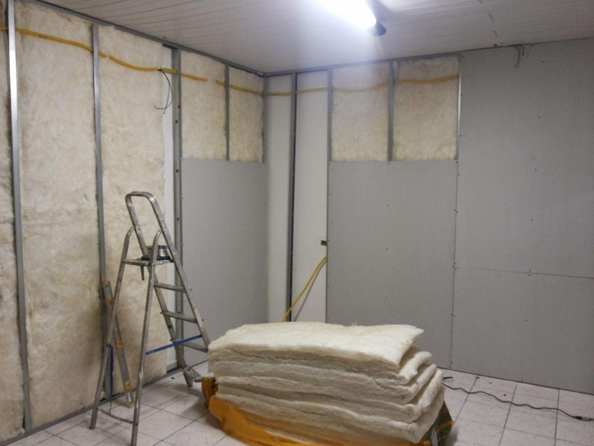 Instalação de isolamento para parede de gesso