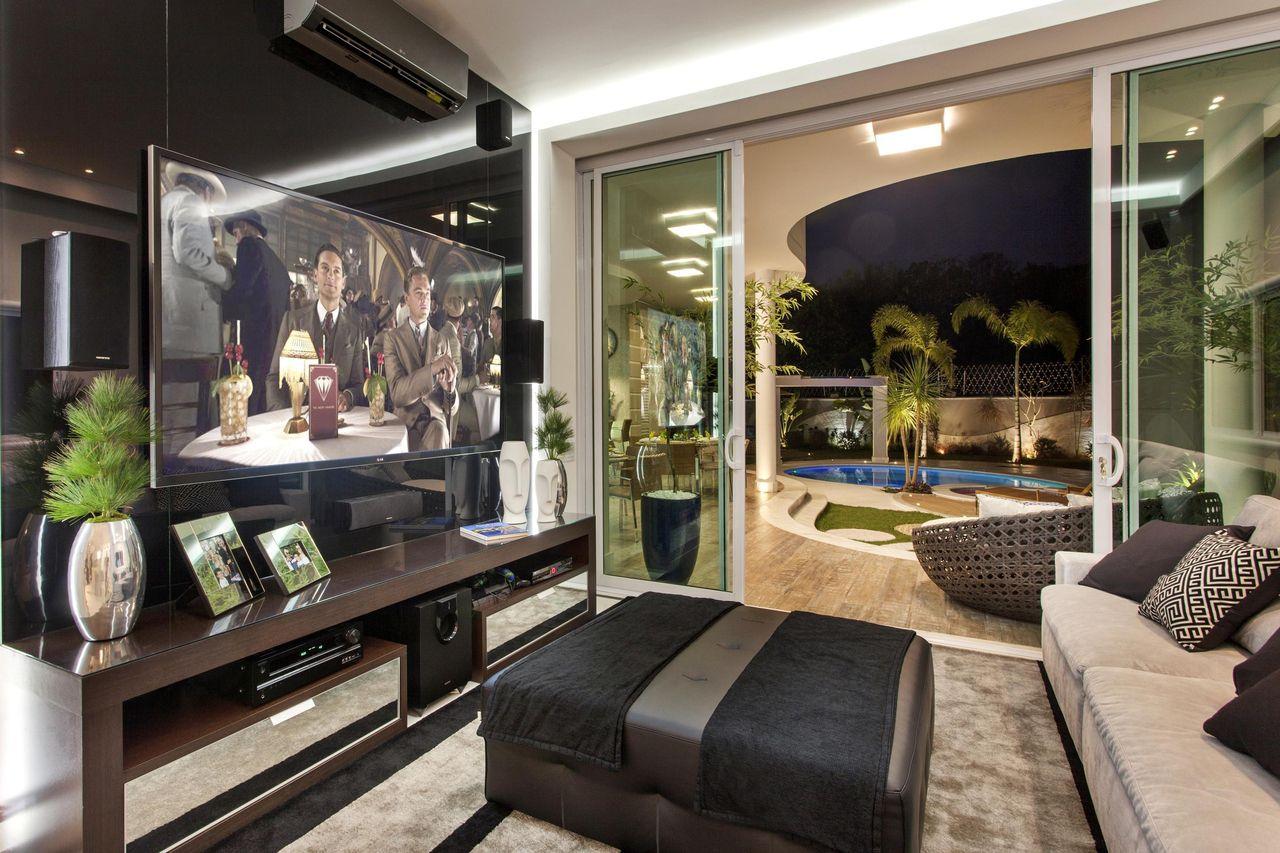 Sala de tv moderna 60 modelos projetos e fotos para decorar - Television en casa ...