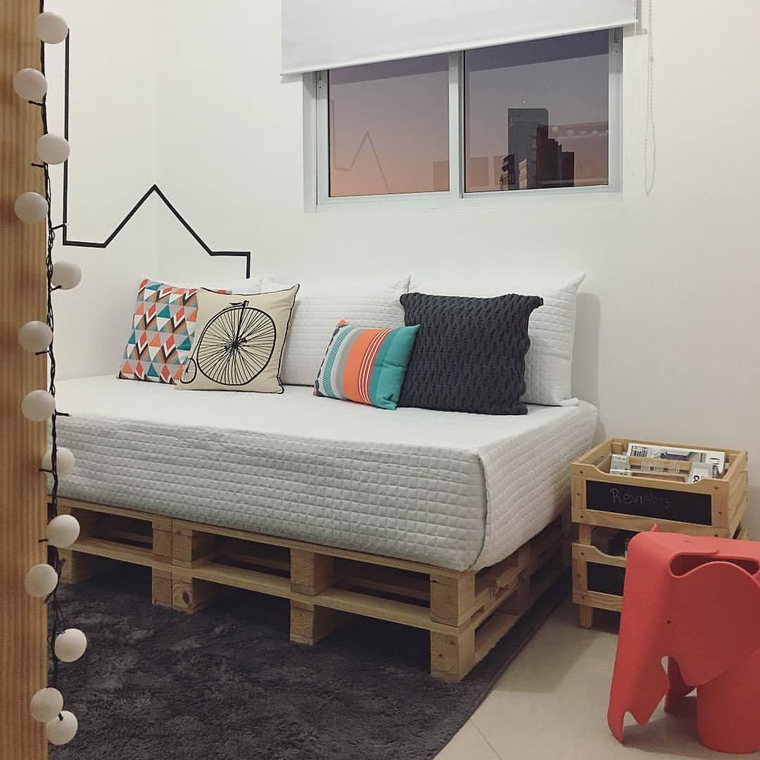 Sofá cama pequeno de pallet