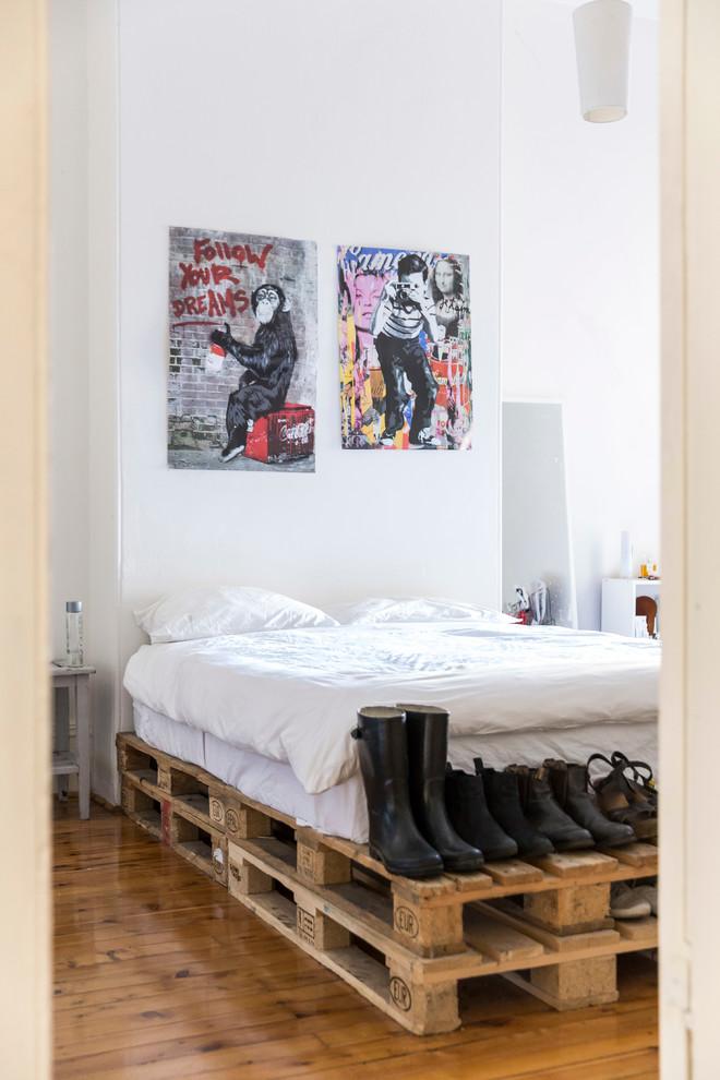 Base para cama com dois pallets de altura