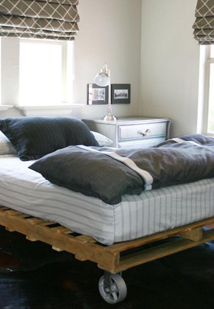 Ouro exemplo que utiliza rodízios para permitir uma movimentação fácil da cama de pallet