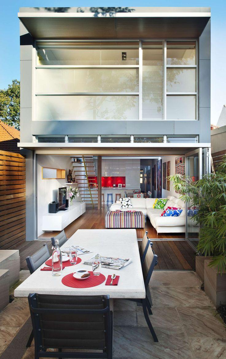 Nos modelos de casas pequenas: utilize o recuo obrigatório do terreno á seu favor!