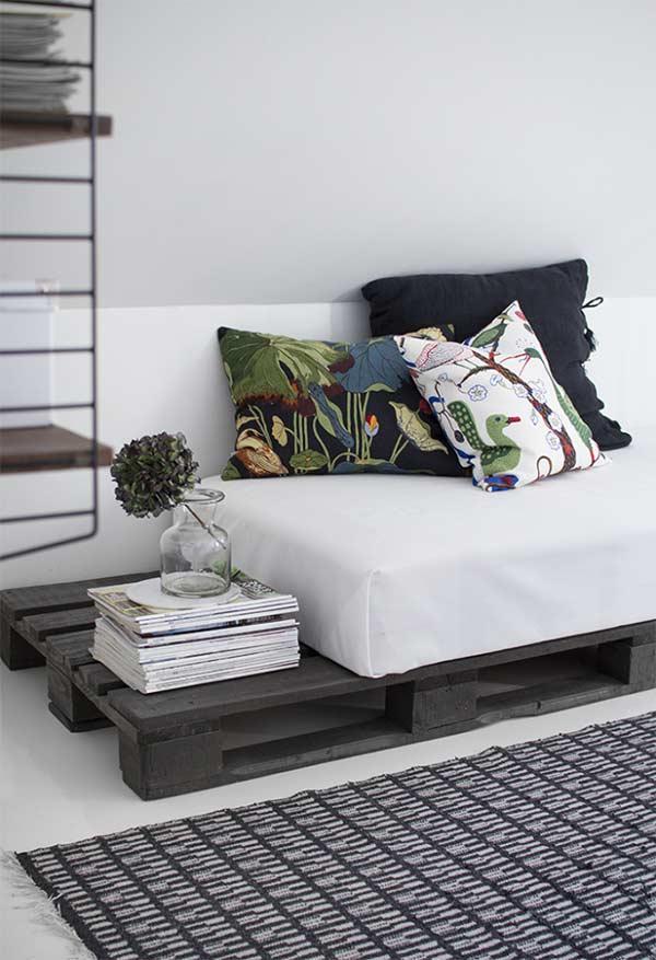 Sofá-cama de solteiro de pallet