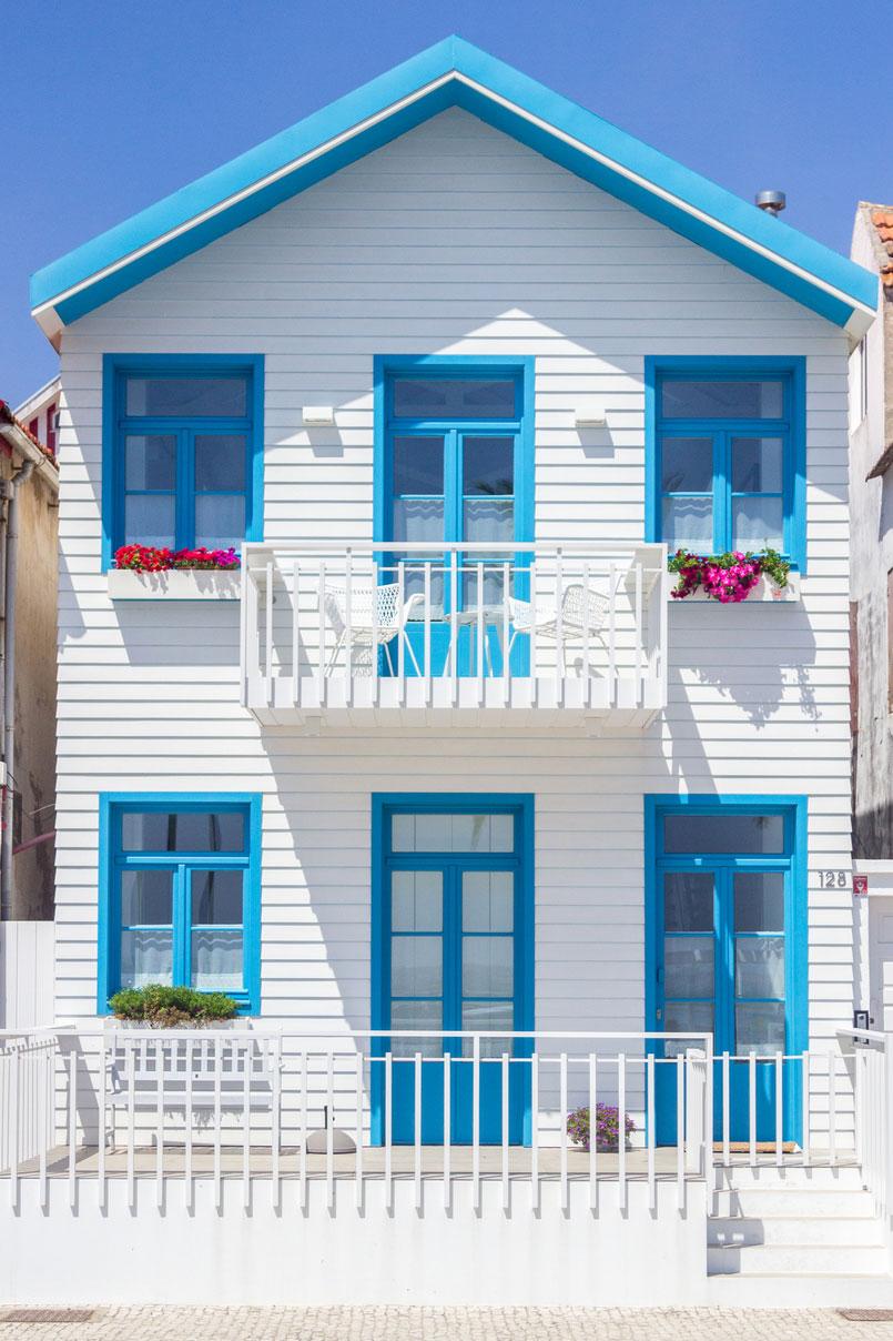 Se inspire em uma casa de boneca, estilo californiano