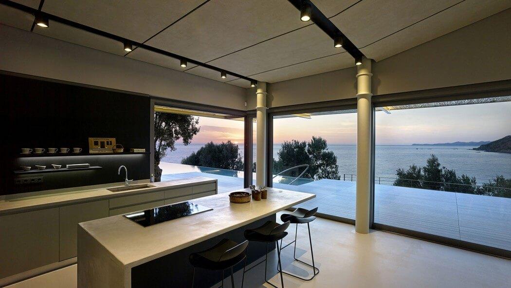 Este projeto valoriza a vista em uma casa de praia