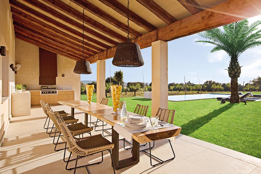 Cozinha externa com churrasqueira na varanda