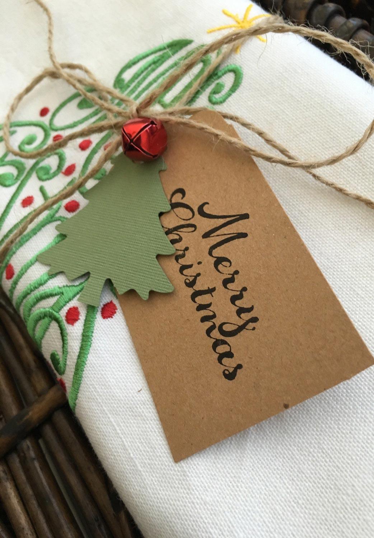 Pano de prato, toalha e centro de mesa ou guardanapos bordados à mão com motivos natalinos