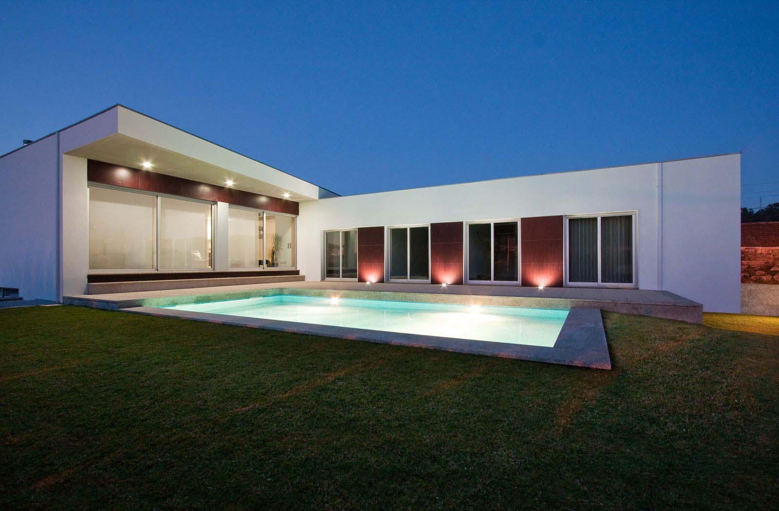 Casas em l 63 projetos com plantas e fotos para se inspirar for Casa tipo minimalista