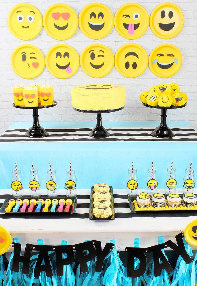 Festa Whatsapp 60 Ideias de Decoraç u00e3o e Fotos do Tema -> Decoração De Emoji Para Festa