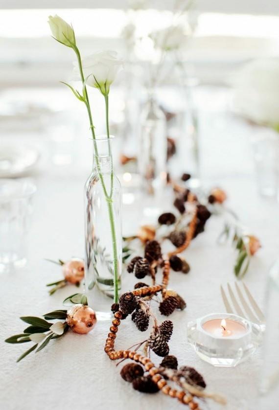 Arranjos de Natal para mesa com pinhas